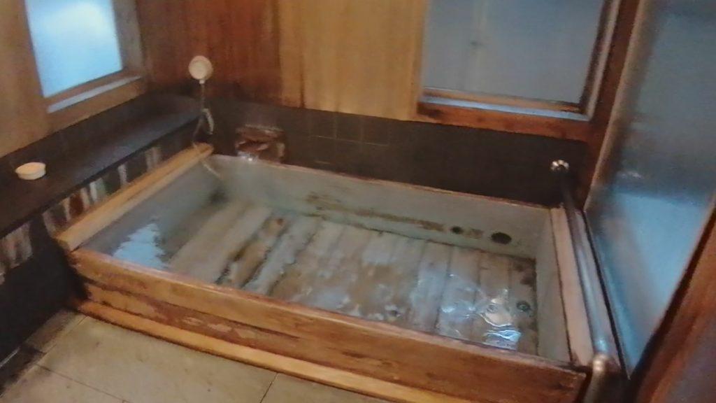 長野 日帰り貸切露天風呂 湯宿泉屋善兵衛 山の辺の湯 内湯