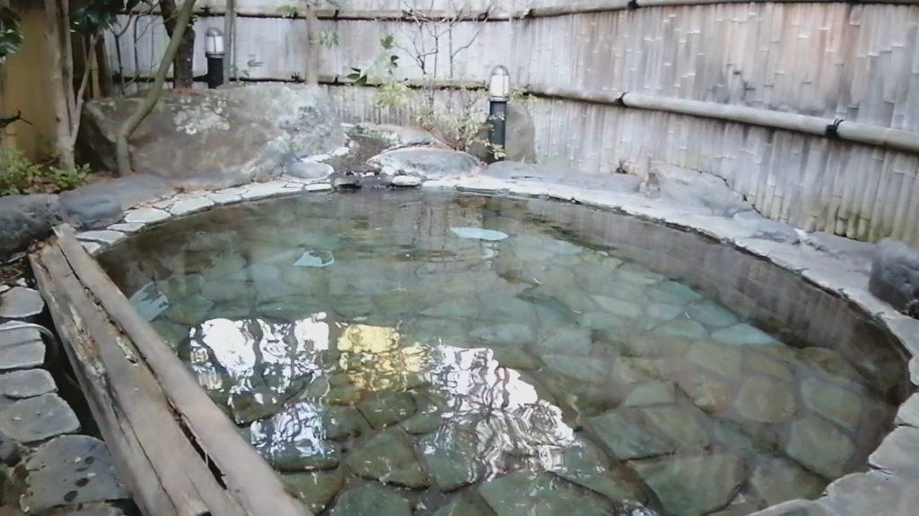 長野 日帰り貸切露天風呂 湯宿泉屋善兵衛 山の辺の湯 露天風呂